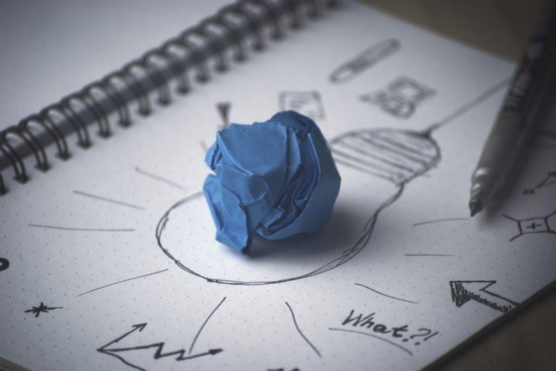Pengertian Pemasaran Secara Umum, perbedaan ekonomi mikro dan makro