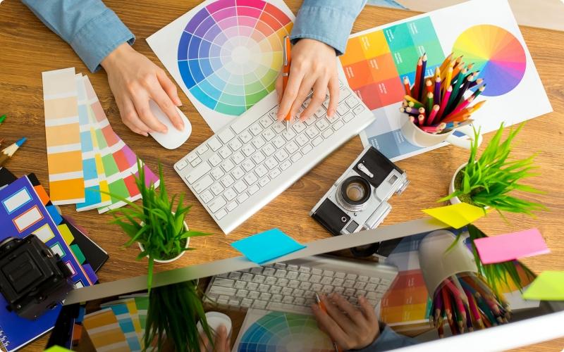 Desain Grafis (Graphic Designer)