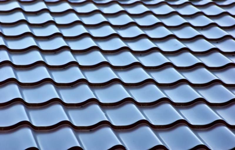 macam-macam-atap-Atap-Genteng-Metal