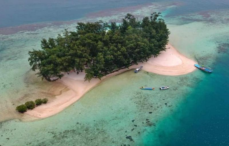 Suasana Pulau dolphin