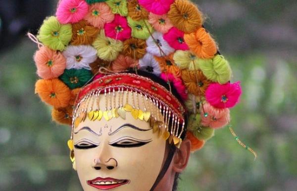mahkota kembang tari topeng